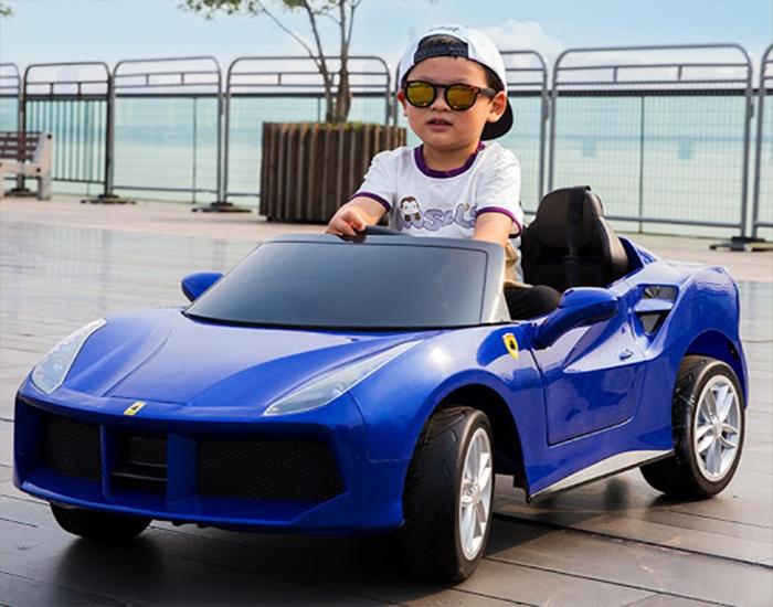Xe ôtô điện cho trẻ em – Giúp bé khám phá