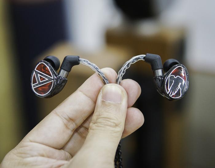 Tai nghe In-ear giá trên 10 triệu đồng
