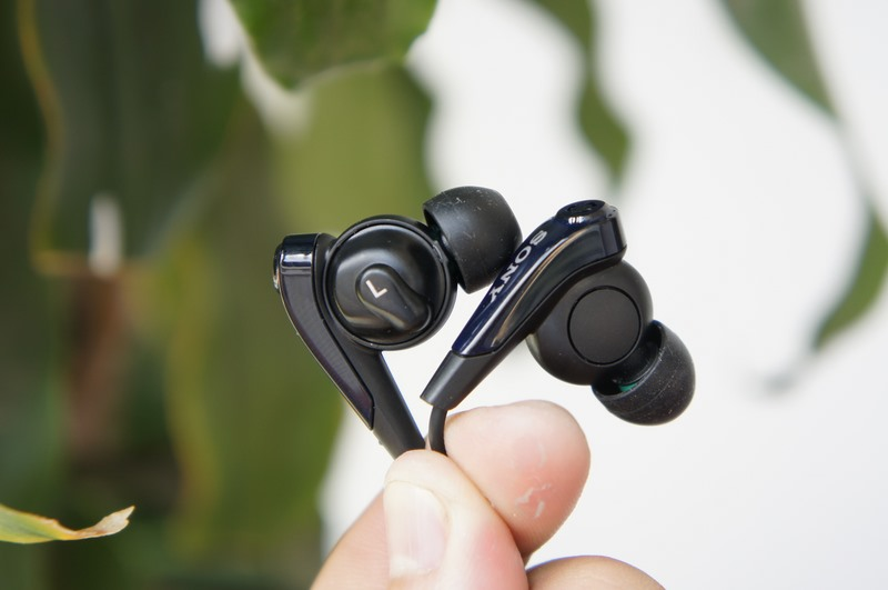 Tai Nghe in-ear chống ồn của Sony
